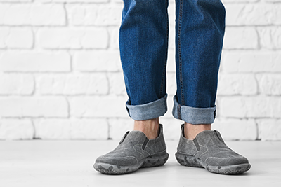 comfort shoes   photo of guy wearing quality flat casual shoes
