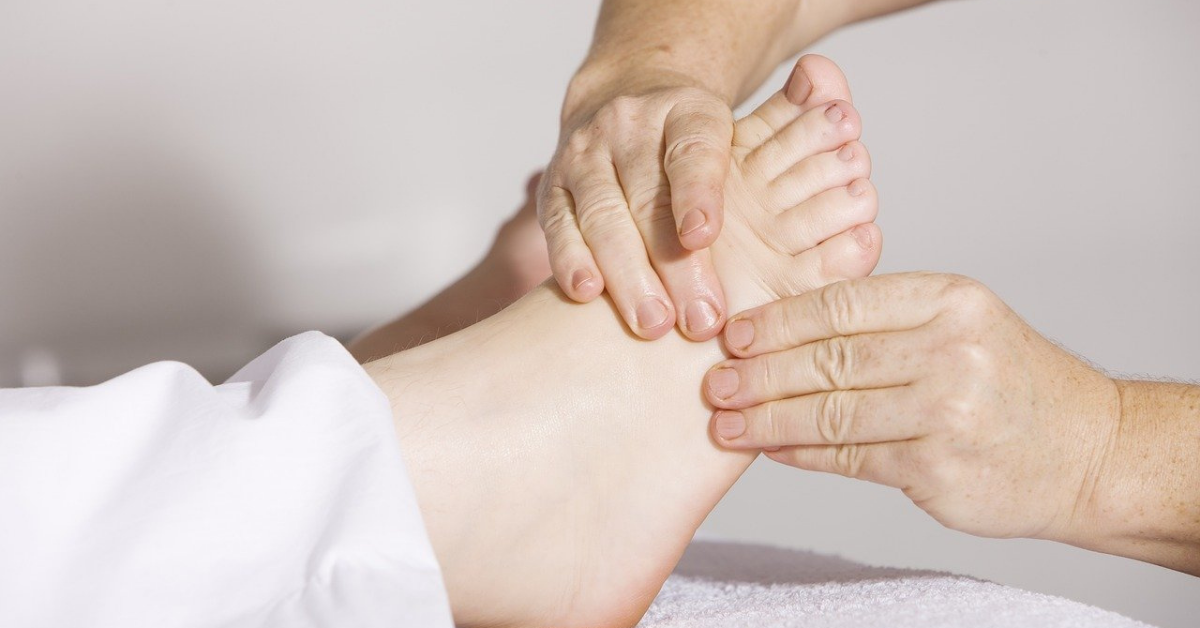 Read more about the article 8 Ways to Promote Circulation in Your Legs